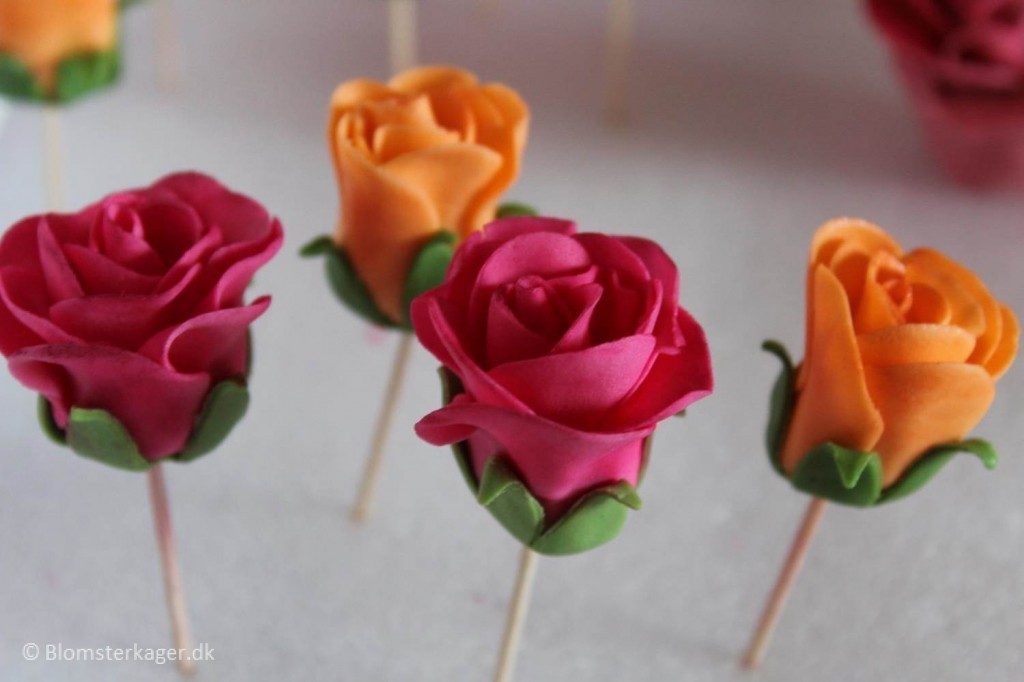 Fondant rose tutorial31