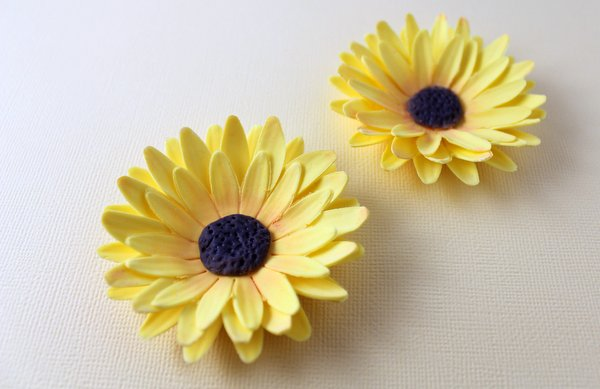 How to make a sunflower from fondant or gum paste karens sugar sol20 sol21 filed under fondant flowers mightylinksfo