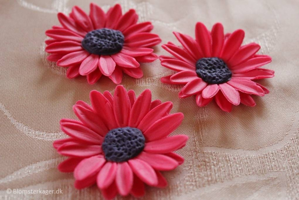 How To Make A Big Daisy From Fondant Gum Paste