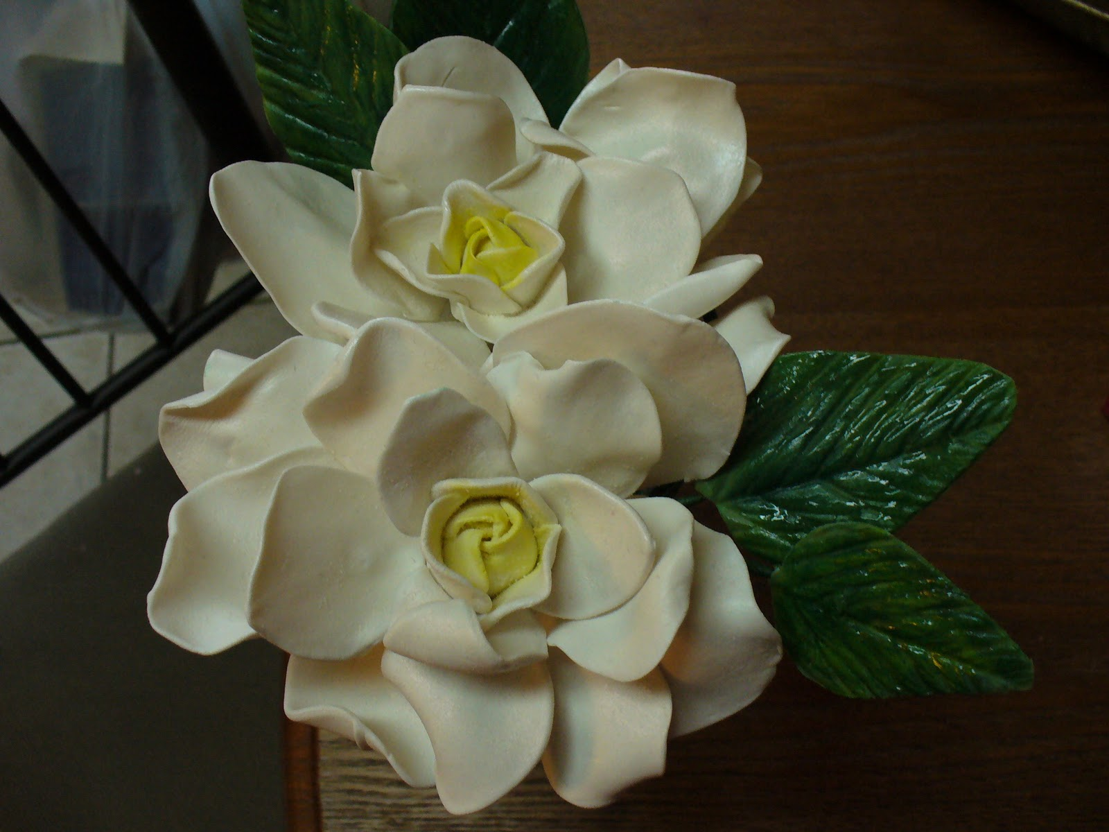 Sugar flower tutorials fondant flowers karens sugar flower blog gardenia izmirmasajfo