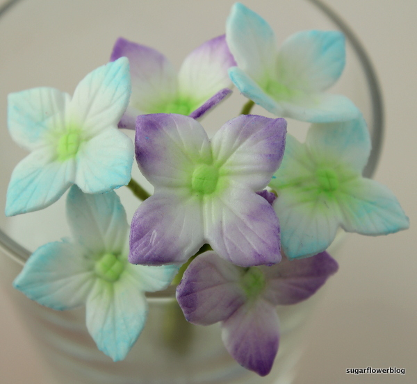 How to make a wired hydrangea bouquet with fondant or gum paste ...