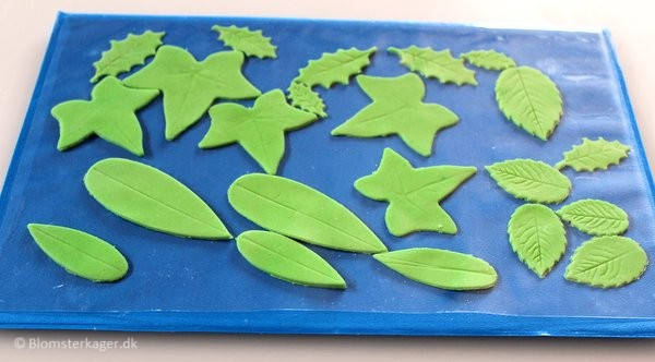 How to make a leaf from fondant or gum paste 11