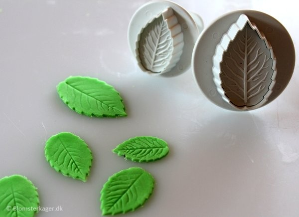 How to make a leaf from fondant or gum paste 6