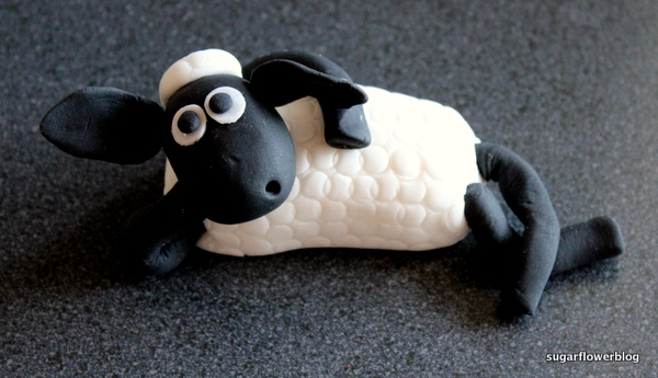 Sean the sheep fondant
